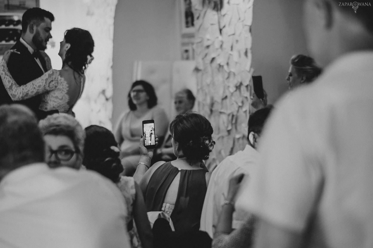 477 - ZAPAROWANA - Kameralny ślub z weselem w Bistro Warszawa