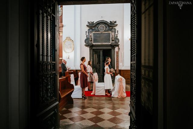 053 - Justyna i Konrad - ZAPAROWANA - Fotograf ślubny Warszawa