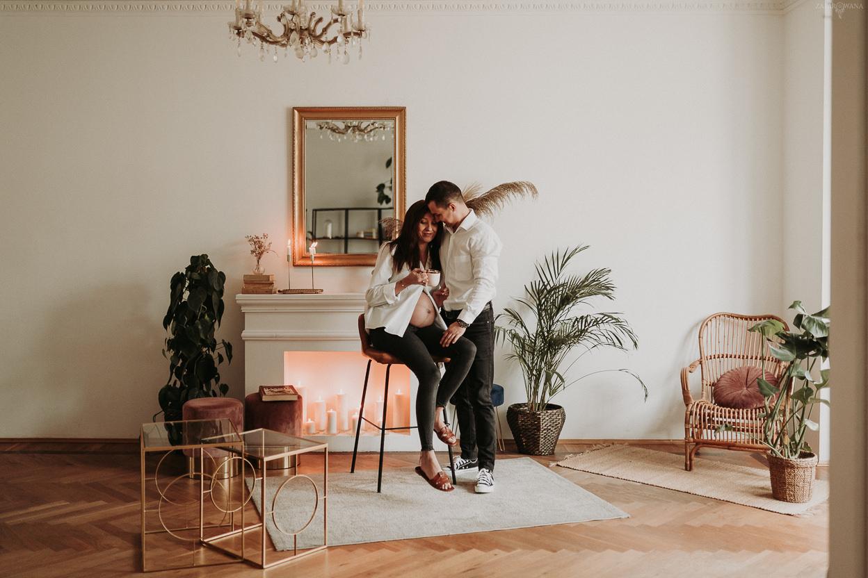 ZAPAROWANA - Fotograf rodzinny - Sesja ciążowa w studio fotograficznym Chmury - Warszawa