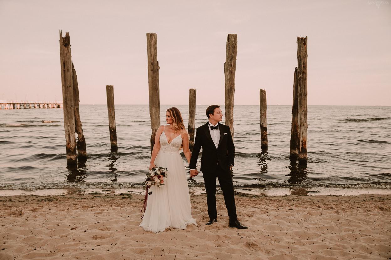 ZAPAROWANA - Fotograf ślubny Warszawa - Sesja ślubna nad morzem Gdynia