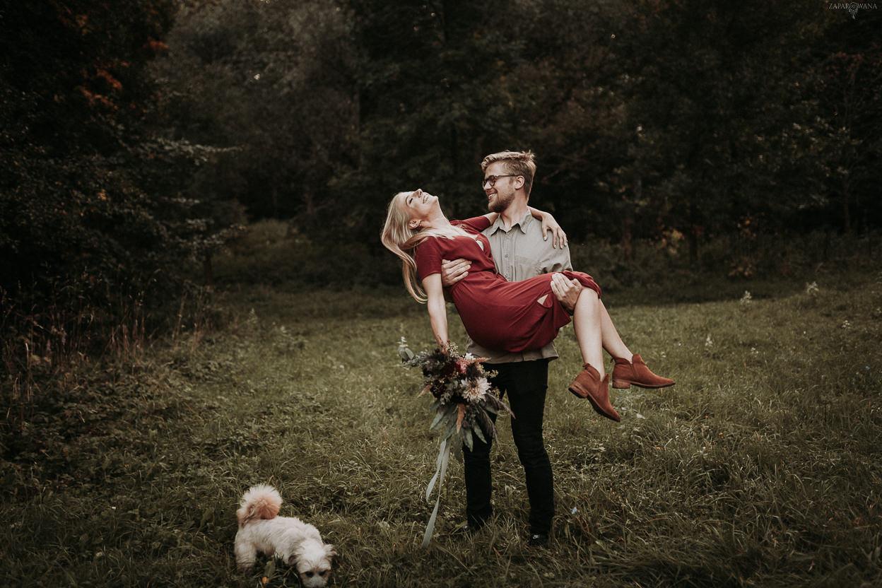 ZAPAROWANA - Fotograf ślubny Warszawa - Sesja narzeczeńska z psem