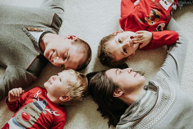 028 - Lifestyle'owa sesja rodzinna świąteczna - AAWM - ZAPAROWANA_
