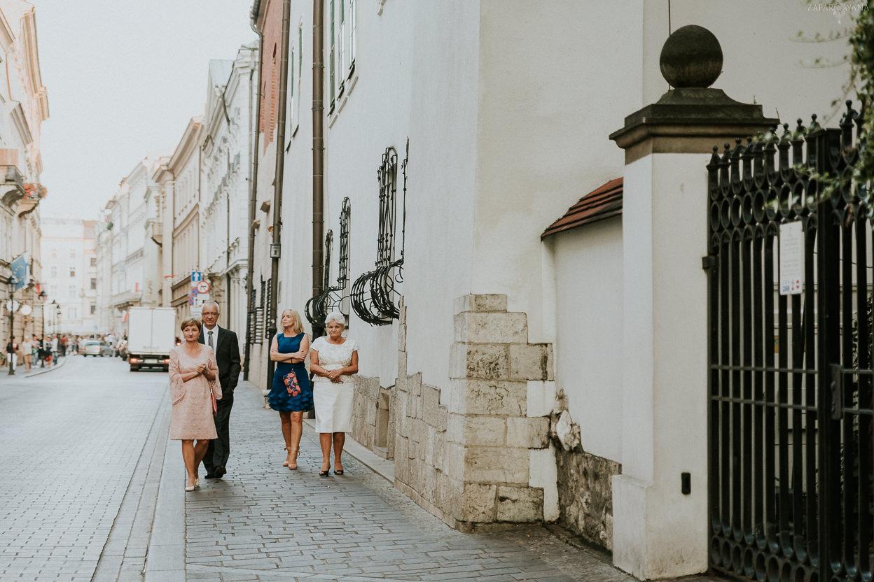 376 - ZAPAROWANA - Kameralny ślub w Krakowie