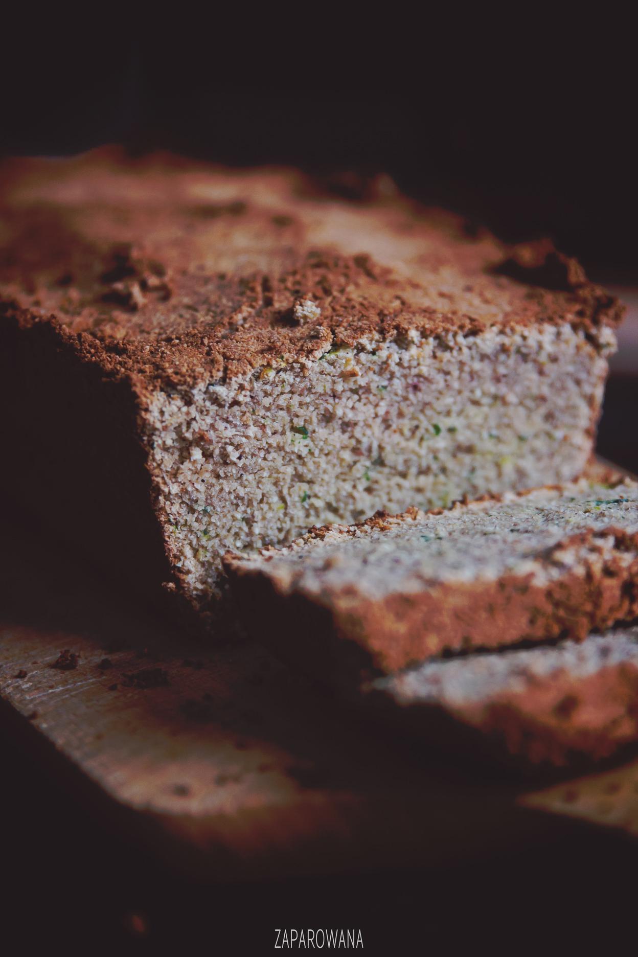 Fotografia kulinarna: Bezglutenowy chlebek cukiniowy - Blog - ZAPAROWANA