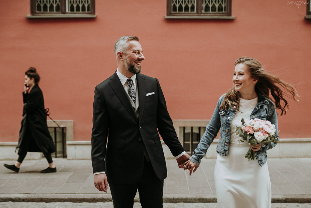 ZAPAROWANA - Fotograf ślubny Warszawa - Sesja ślubna na Starówce